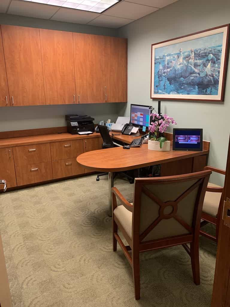 interior office photo with consultation desk